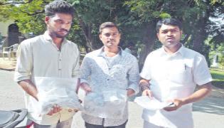 Coins for election nomination - Sakshi