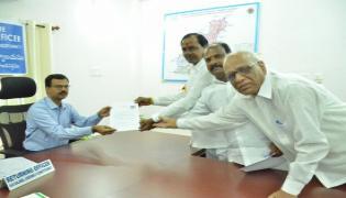Telangana elections- KCR files nomination for Gajwel - Sakshi
