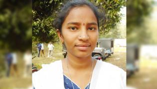 Degree Student Meet YS Jagan in Praja Sankalpa Yatra - Sakshi
