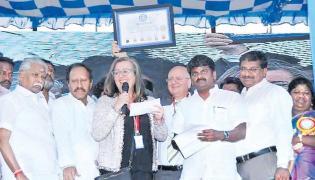 Guiness Record attempt Jallikattu at Viralimalai - Sakshi
