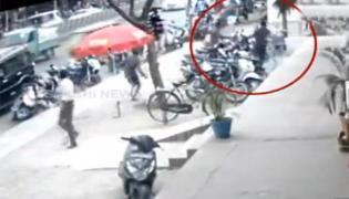 Gruesome Murder In Chennai Caught On Camera - Sakshi