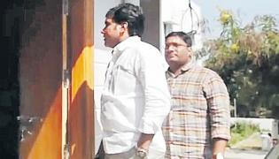 Hyderabad: 2 more held in NRI murder case - Sakshi