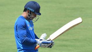 MS Dhoni suffers injury scare ahead of first ODI in Hyderabad - Sakshi