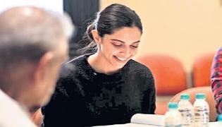 Deepika Padukone kicks off prep for Meghna Gulzar Chhapaak - Sakshi