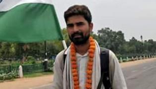 Congress Party Gives Ticket To Odisha Man Who Walked 1500 KM To Meet Modi - Sakshi