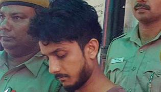 Delhi Man Killed Father Chops Body Into 25 Pieces - Sakshi