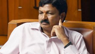 Karnataka Congress rebel MLAs Secreat Meeting - Sakshi