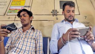 Online Economy Booming In India - Sakshi