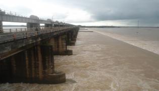 Chada Venkat Reddy Article On Godavari Water Utilization - Sakshi