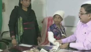 Bihar boy fractures left hand, doctor casts plaster on his right after ignoring warning - Sakshi