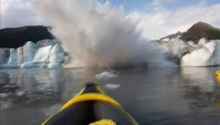 Kayakers Escape Glacier Collapse In Alaska - Sakshi
