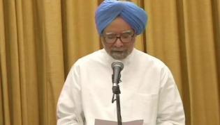 Manmohan Singh Takes Oath As Rajya Sabha MP - Sakshi