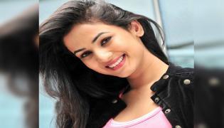 Sonal Chouhan Has Singing Talent - Sakshi