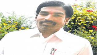 VRO Krishnaiah suicide in Narkatpalli - Sakshi