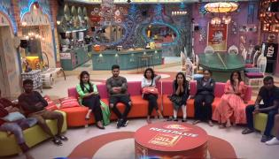 Housemates In Tears On Seeing Family members - Sakshi
