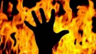 Man Dies After Setting Himself On Fire - Sakshi