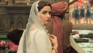 Alia Bhatt Reveals  Ranbir Kapoors Advice After The Failure Of Kalank - Sakshi