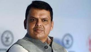 Devendra Fadnavis Responds On Senas CM Aspirations - Sakshi