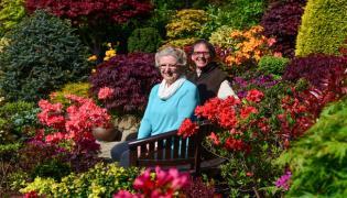 Retired Couple Made Beautiful Four season Garden In walsall - Sakshi
