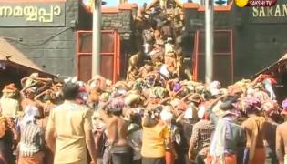 Massive crowds throng Sabarimala Temple
