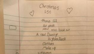 10 Years Old girl Christmas Gifts List Goes Crazy In Social Media After Demands $4000 - Sakshi