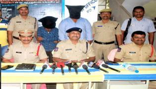 Cops Arrested Ganja Smugglers In Warangal Rural - Sakshi