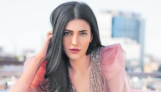 shruti hassan next movie with mahesh babu - Sakshi