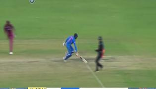 Virat Kohli Miffed After Ravindra Jadeja Run Out - Sakshi