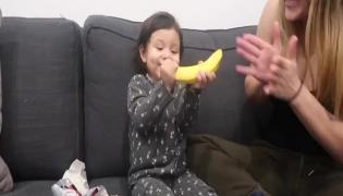 Watch Video: Worst Christmas Gift But Toddler Reaction Awesome - Sakshi