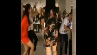 Malaika Arora Dance at Early Christmas Bash With Girl Gang - Sakshi