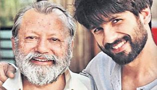 Pankaj Kapur reunites with son Shahid Kapoor for Hindi remake of Jersey - Sakshi