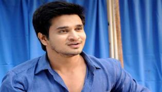 Hero Nikhil Responded By Selling Piracy CDs On Roads - Sakshi