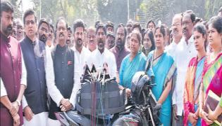 Governor Tamilisai Soundararajan promise on alcohol control - Sakshi