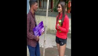 Fan Waits For Five Days To Meet Pooja Hegde In Mumbai - Sakshi