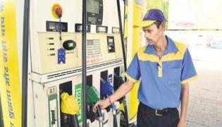 Petrol diesel rates dip in Delhi on third consecutive day - Sakshi