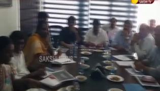 Talasani Srinivas Yadav Meets Chiranjeevi And Nagarjuna In Annapurna Studios - Sakshi