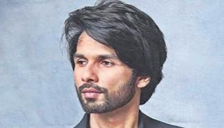 Shahid Kapoor to play Army Role In Operation Cactus - Sakshi
