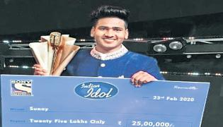 Person Became Indian Idol Who Makes Boot Polish - Sakshi