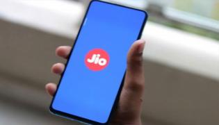 Reliance Jio Provide 100 Call Mins, 100 SMS for Free To JioPhone Users Until 17th April - Sakshi