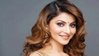 Actress Urvashi Rautela copy pastes US writers tweet on Parasite - Sakshi