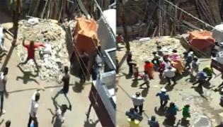 Corona: Locals Pelt Stones At HealthCare Workers In Indore - Sakshi