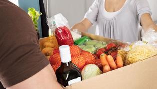 Companies join hands to deliver groceries to customers doors - Sakshi