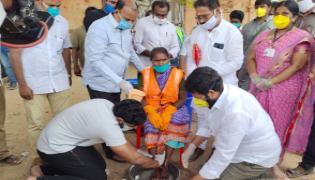 MLA Jakkampudi Raja Talks In A Programme At Municipal Office In Amaravati - Sakshi