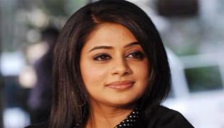 Actress Priyamani Clarifies On Rumours Of Slapping Cricketer - Sakshi