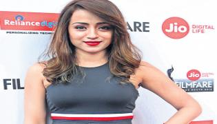 Trisha Replies To Fan Questions In social Media - Sakshi