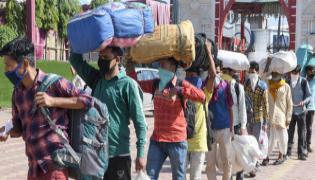 At Least 23 Million Migrants Returning to India villages - Sakshi