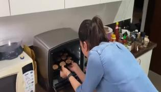 Rakul Preet Singh Shares Banana Chocolate Oatmeal Cookies recipe