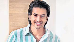 Mahesh Babu praises ashok galla energy in jumbare song remix - Sakshi
