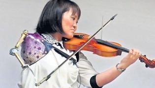Japan Miracle Violinist Performer Manami Ito Article - Sakshi
