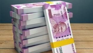 Karnataka Man Lost Rs 5 Lakhs During Online Order Cancel - Sakshi